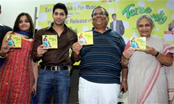 Delhi CM Sheila Dikshit at the music launch of film Tere Sang alongwith film's director Satish Kaushik (2nd R) and actors Ruslaan Mumtaz and Sheena Shahabadi in New Delhi on Monday. PTI