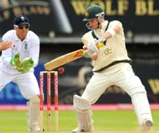 Australia dig in to deny Eng
