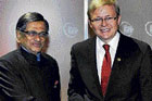 Friends External Affairs Minister S M Krishna with Australian Prime Minister Kevin Rudd in Cairns on Friday. pti