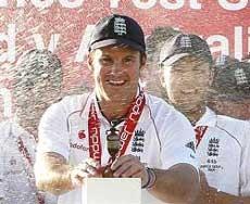 England regain Ashes
