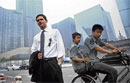 Americans go job hunting in China