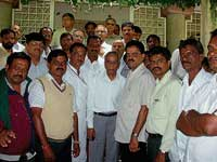 Chairman of the Upper Bhadra Project Study Committe Prof D M Desai visiting Tarikere region. MLA D S Suresh, Action Committee convener T V Shivashankarappa and Study Committee experts are seen. dh photo