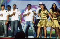 Puneeth Rajkumar, Shivrajkumar and Yagna Shetty performing at the function to felicitate Chief Minister B S Yeddyurappa in Bangalore on Tuesday. DH PHOTO
