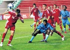 India secure entry into title round