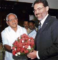 Warm Welcome: Chief MInister B S Yeddyurappa welcoming US Consul General Andrew T Simkin in Bangalore on Monday. DH Photo