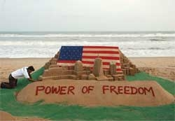 9/11 victims given sandy tribute on 8th anniversary at Puri beach
