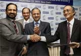 FICCI signs MoU with IOA to cash in on CWG'10