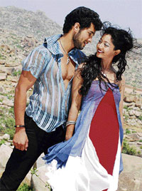 Listen To Me: Digant and Aindrita Ray in 'Manasaare'.