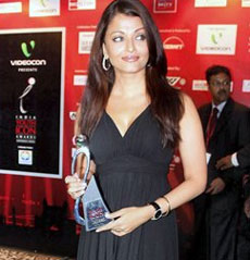 Actress Aishwarya Rai with her Global Icon trophy at Youth Icon Award ceremony in Gurgaon on Friday night.
