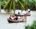 Floods threaten Andhra, Karnataka; toll crosses 200