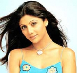 Shilpa Shetty's curry chain faces 6 mn pounds lawsuit