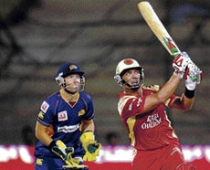 Awesome Kallis stars in massive RCB win