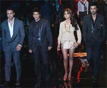 It's Shah Rukh-Gauri magic on ramp at Couture Week