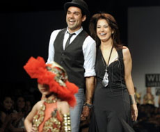 Ritu Beri S Clothes Overshadow Abhay Deol At Wifw Deccan Herald
