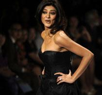 Star power at Sanjana Jon's fashion show causes stampede