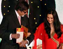 Actors Amitabh Bachchan and Preity Zinta during the closing ceremony of Miami Film Festival