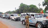 AP police intercepting vehicles of BJP activists at the border town of Zaheerabad on Sunday.