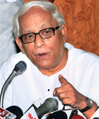 West Bengal Chief Minister Buddhadeb Bhattacharjee interacts with media at the end of two days of meetings with the police and district development officers in West Midnapore district on Sunday. PTI