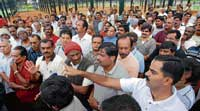 Walkers in Lalbagh attending a meeting in Bangalore regarding entry fee into the park. dh Photo
