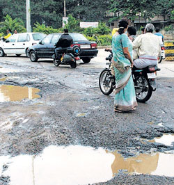 Corruption paves our roads. DH photo