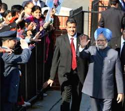 India deserves access to dual use technology: Manmohan Singh