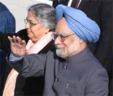 Prime Minister Manmohan Singh and his wife Gursharan Kaur upon their arrival in Washington on Sunday. AP