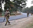 Maoists blow up rail tracks, school in Jharkhand