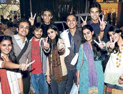 The variety of South Indian culture has attracted these students from Pakistan. DH photo