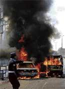 Peshawar suicide bombing kills 10