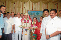 Chief Minister B S Yeddyurappa taking part in MLC S G Medappa's daughter's wedding in Madikeri on Friday. BJP leader B B Shivappa, Transport Minister R Ashok, Assembly in-charge Speaker K G Bopaiah are seen.  dh photo