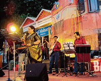 Usha Uthup at 'Ekta Express' from 'Kashmir to Kanyakumari', one of its musical show in Mangalore on Sunday. DH photo