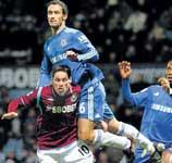 West Ham hold Chelsea