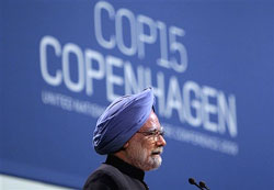 Prime Minister Manmohan Singh talks during the plenary session at the climate summit in Copenhagen, Denmark on Friday. AP