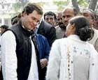 Rahul asks party workers to sink differences