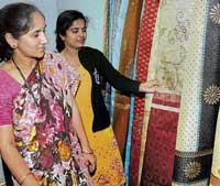 92 units from 13 States at handloom expo
