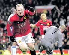 United slam five past Wigan