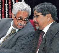 social concern: NIAS Director V S Ramamurthy, former Planning Commission member B L Mungekar and State Planning Board, Kerala, Vice-Chairman Prabhat Patnaik at the inauguration of the 9th development convention on institutional process in new development paradigms at the Institute for Social and Economic Change in Bangalore on Thursday. dh photo