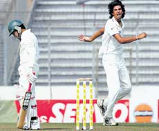 Ishant Sharma gets rid of Bangladesh wicket-keeper Mushfiqur Rahim on day one of the second Test in Dhaka on Sunday. Reuters