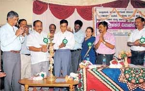 Legislator KP Bache Gowda inaugurating celebrations of  Consumer Day in Chikkaballapur on Friday. DH PHOTO