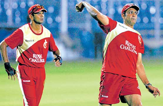 RELIABLE DUO: RCB will bank on the experience of Rahul Dravid and Anil Kumble in their tie against Kings XI on Friday.