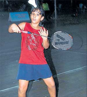 Focussed: Driti Yateesh en route to her win over Richa Muktibooh in the girls' U-10 semifinals on Friday. DH Photo