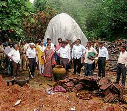 inspection: Regional Commissioner M V Jayanthi and other officials inspecting the demolished house of Gregory Patrao in Kalavaru in Mangalore, on Saturday. DH photo