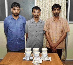 The three arrested for selling opium.