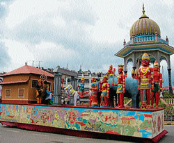 A partial view of the tableau from Udupi district depicting Alupa dynasty, at Mysore Dasara procession, which bagged the first place.