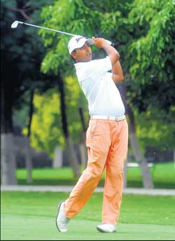 Anirban Lahiri in action on the second day of the BILT Open on Thursday. DH Photo / Srikanta Sharma R