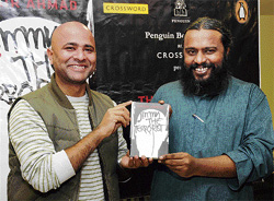Prof Arum Mani and author Omair Ahmad (left) at the book launch in Bangalore on Friday. DH PHOTO