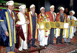 From right: Dr Manjunath, Prof C Rajkumar, Prof Goverdhan Mehta, journalist S R Ramaswamy receive honorary D Litt at the 11th annual convocation of KSOU in Mysore, on Monday. KSOU Vice Chancellor K S Rangappa, Chancellor H R Bhardwaj and Member of the Planning Commission Narendra Jadhav are seen. DH Photo