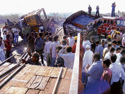Traffic was severely hit by the lorry accident on NH 7 near Attibele, in Anekal taluk. DH Photo