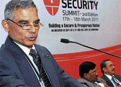 Director General of Police  S T Ramesh at the Cyber Security Summit-2011. DH photo