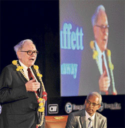 Berkshire Hathway Chairman & CEO Warren Buffett addressing the CII round table in Bangalore on Wednesday. DH Photo